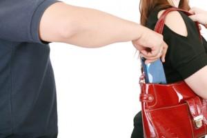 Pozor na batohy, kabelky a jiné příruční tašky